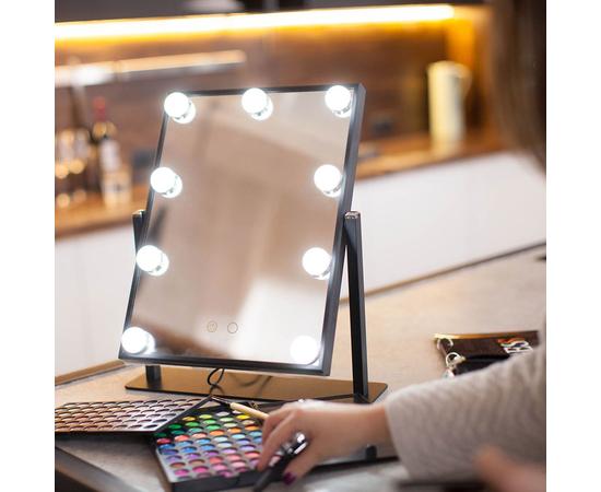 Естественный источник света для нанесения макияжа